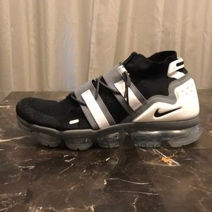 NEW 🔥 Men's size 12.5 Nike Vapormax Black / White